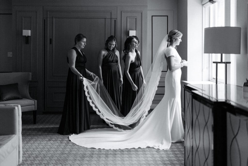 Chateau Frontenac getting ready bride