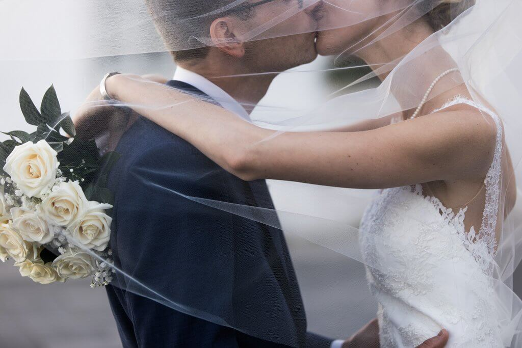 Wedding romantic photographer