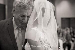 Pere de la mariée ému