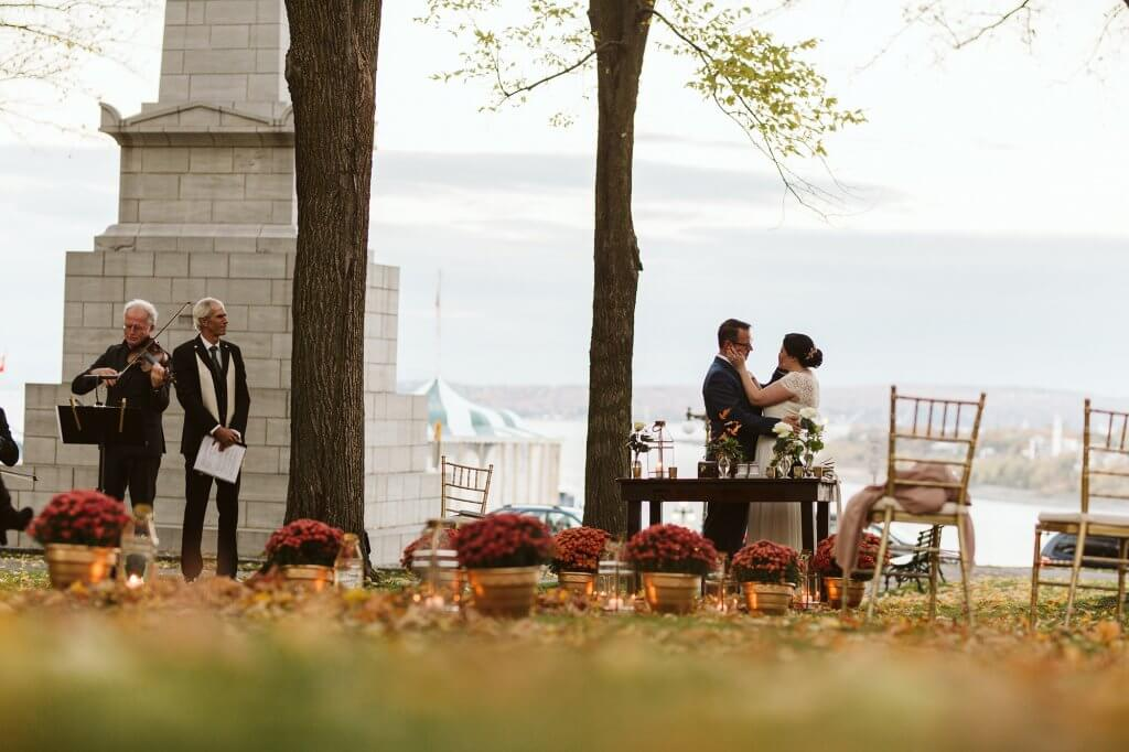 Fall wedding romantic elopement Quebec City
