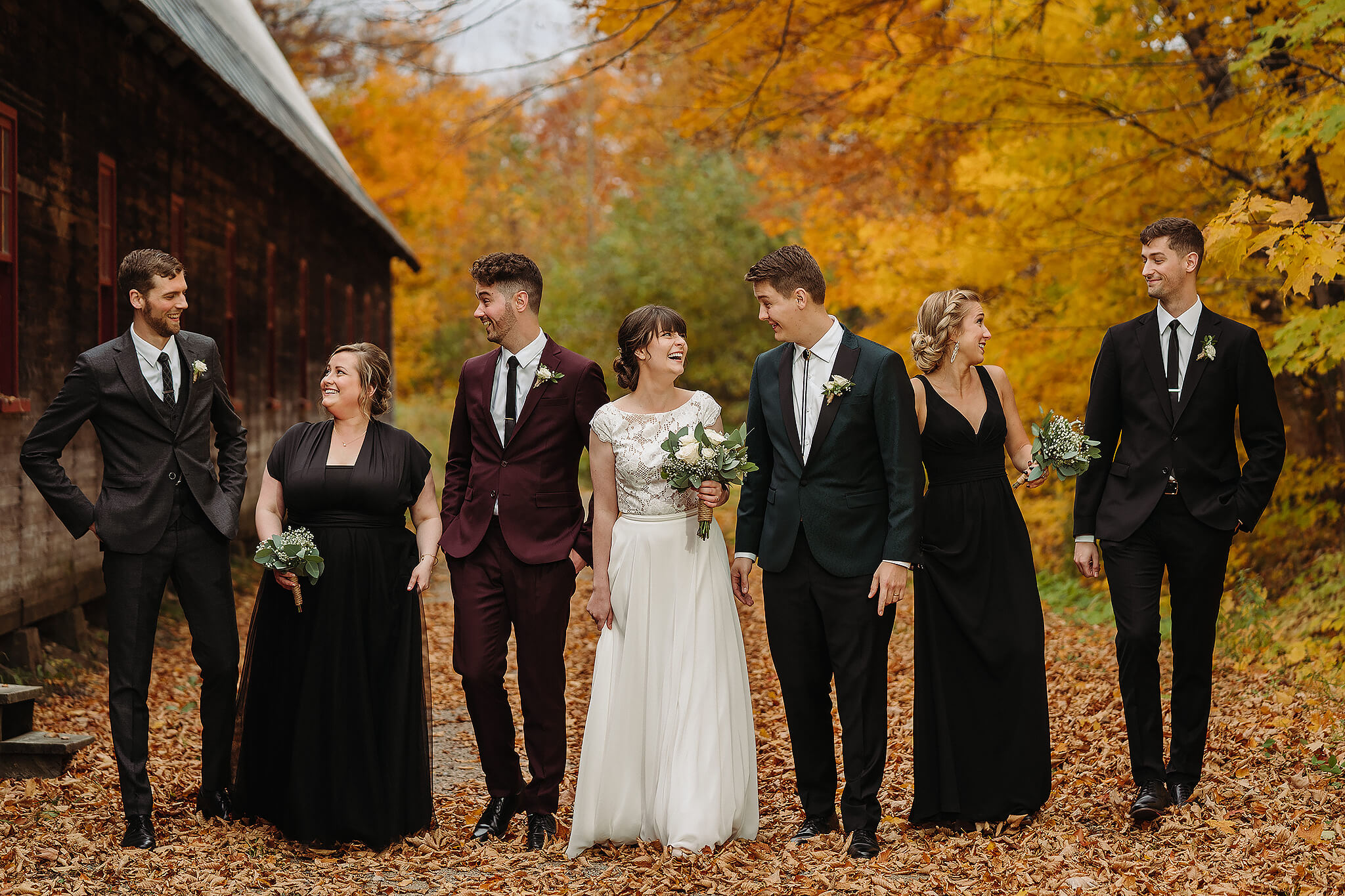 Photographe wedding photographer fall magical wedding party